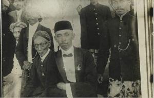 Leden van de Sarekat Islam, vermoedelijk tijdens een vergadering te Blitar