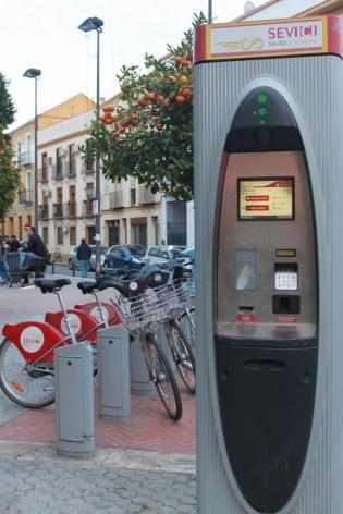 ATM Sevici dan Sepedanya