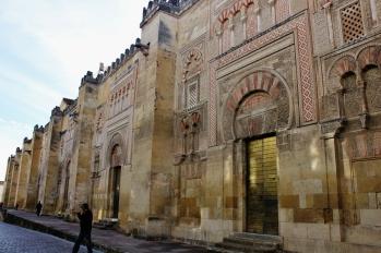 mezquita dari luar (1280x853)
