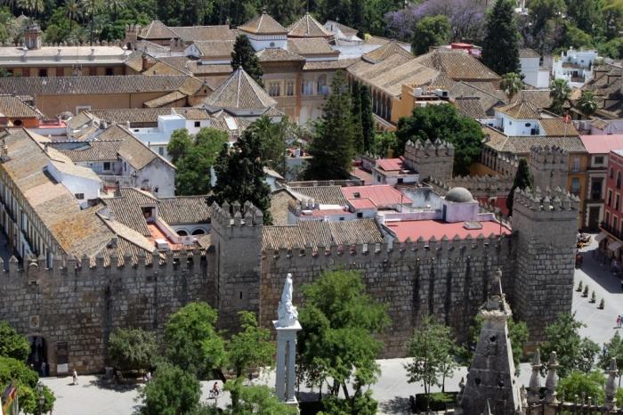 Kompleks Alcazar dilihat dari atas